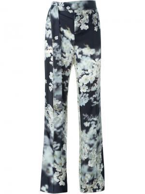 Классические брюки с цветочным принтом Calvin Klein. Цвет: чёрный