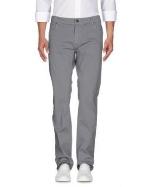 Джинсовые брюки DAKS SPORT. Цвет: серый