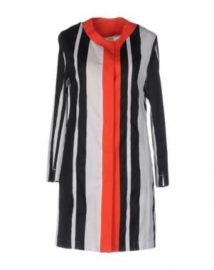 Легкое пальто GUTTHA. Цвет: красный