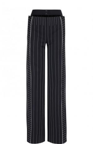 Расклешенные брюки в полоску с карманами Valentino. Цвет: синий