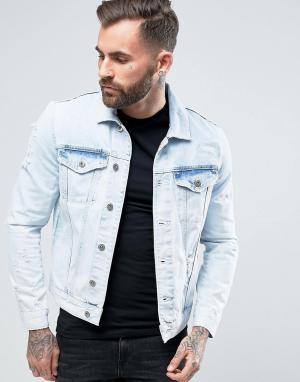 River Island Рваная джинсовая куртка с эффектом кислотной стирки. Цвет: синий