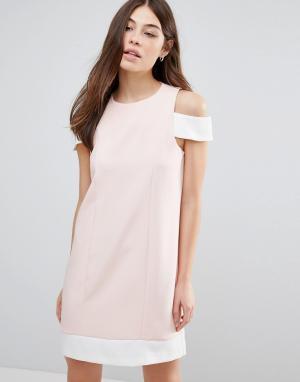Hedonia Цельнокройное платье. Цвет: розовый