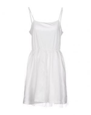 Короткое платье BAGUETTE...... Цвет: белый