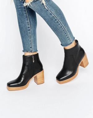 Eeight Кожаные полусапожки на блочном каблуке и платформе E8 by MIISTA Lavern. Цвет: черный