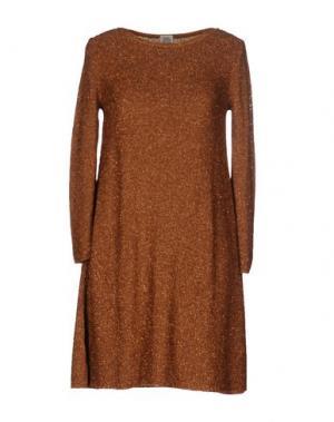 Короткое платье SIYU. Цвет: верблюжий