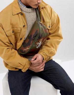 Herschel Supply Co Сумка-кошелек на пояс с камуфляжным принтом Sixteen. Цвет: зеленый