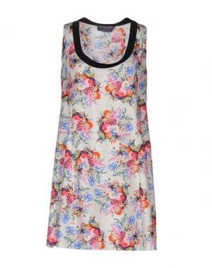 Короткое платье EMANUEL UNGARO. Цвет: белый