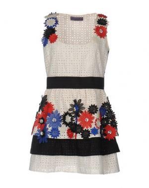 Короткое платье EMANUEL UNGARO. Цвет: слоновая кость