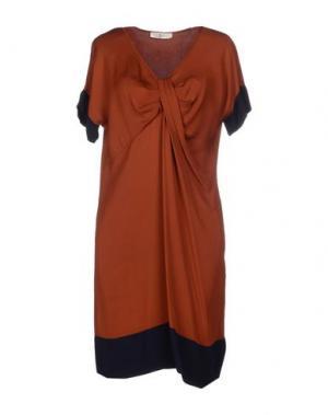 Короткое платье SUOLI. Цвет: ржаво-коричневый