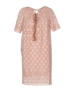 Короткое платье GOLD CASE. Цвет: розовый