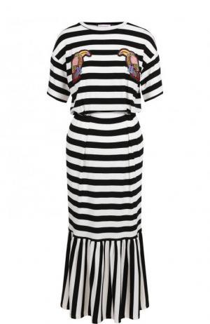 Приталенное платье-миди в полоску с оборкой Stella Jean. Цвет: черно-белый