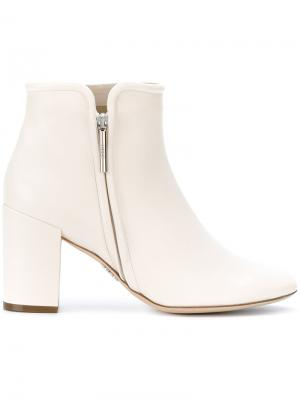 Ботинки на каблуке Rodo. Цвет: белый