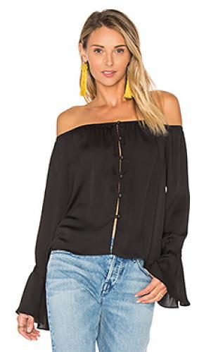 Блуза с открытыми плечами LAcademie L'Academie. Цвет: черный