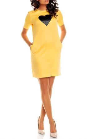Платье NOMMO. Цвет: желтый