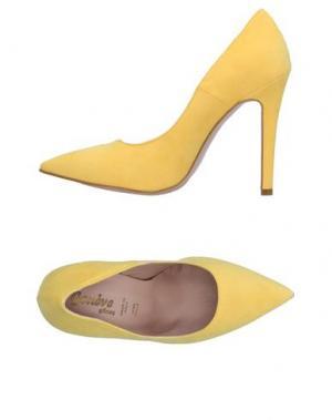 Туфли GENEVE. Цвет: желтый