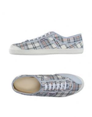 Низкие кеды и кроссовки KAWASAKI. Цвет: серый