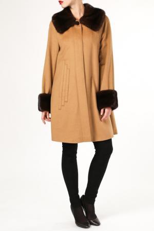 Пальто M. Collection. Цвет: оранжевый