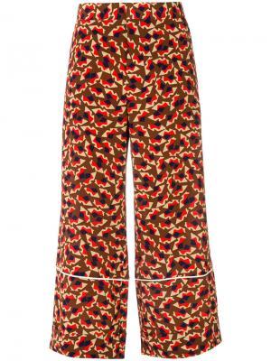 Укороченные расклешенные брюки с графическим принтом Marni. Цвет: коричневый