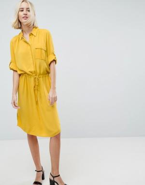 Soaked in Luxury Платье-рубашка с рукавами 3/4 и шнурком. Цвет: желтый