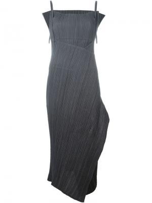 Плиссированное платье Issey Miyake Vintage. Цвет: серый