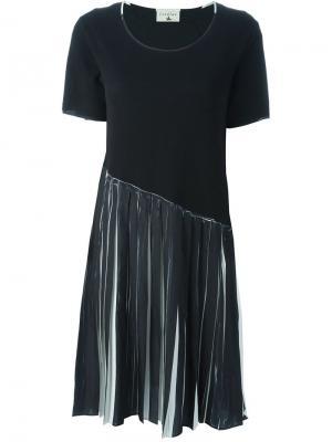 Плиссированное платье-футболка Cotélac. Цвет: чёрный