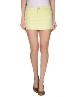 Джинсовая юбка JFOUR. Цвет: кислотно-зеленый