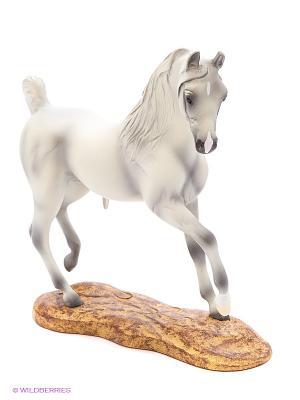 Лошадь Арабской породы Breyer. Цвет: белый