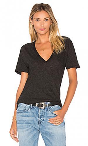 Пестрая футболка с v-образным вырезом MONROW. Цвет: черный