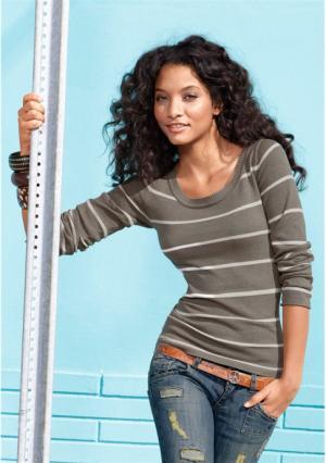 Пуловер AJC. Цвет: белый/темно-синий, коричневый меланжевый/цвет белой шерсти, черный/белый