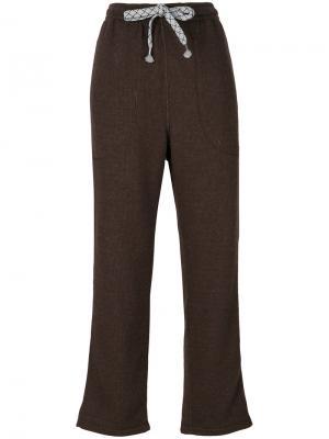 Укороченные спортивные брюки Julien David. Цвет: коричневый