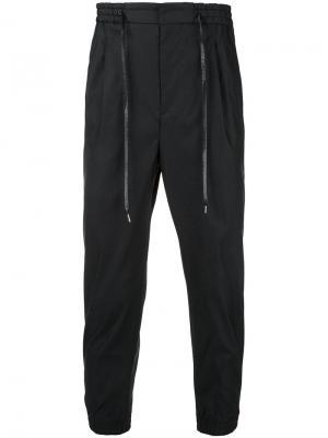 Зауженные спортивные брюки monkey time. Цвет: чёрный