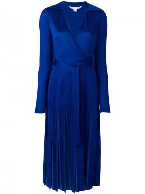 Платье с запахом и складками Dvf Diane Von Furstenberg. Цвет: синий