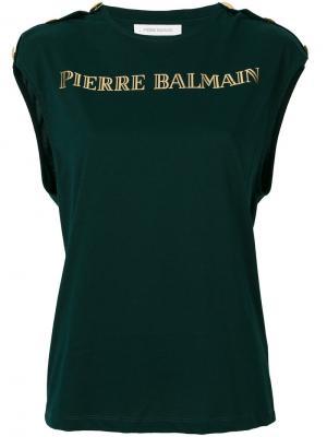 Топ с золотистым логотипом Pierre Balmain. Цвет: зелёный