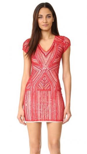 Платье Serena Parker. Цвет: рубиновый красный