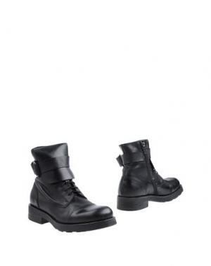Полусапоги и высокие ботинки O.X.S.. Цвет: черный