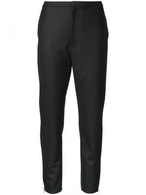 Укороченные брюки Aula. Цвет: чёрный