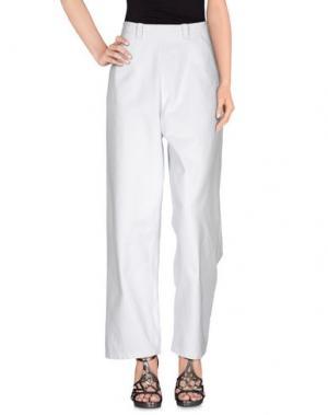 Джинсовые брюки BLUE JAPAN. Цвет: белый