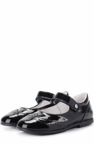 Туфли из лакированной кожи с застежкой велькро и брогированием Naturino. Цвет: темно-синий