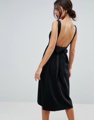 True Violet Приталенное платье миди с бантом на спине. Цвет: красный