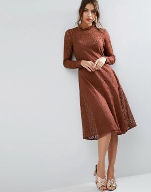 ASOS Кружевное платье миди. Цвет: коричневый