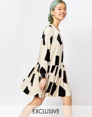 Zacro Платье с длинными рукавами и геометрическим принтом. Цвет: белый