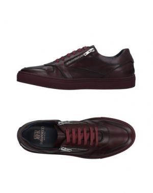Низкие кеды и кроссовки FABIANO RICCI. Цвет: баклажанный