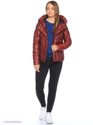 Куртка W NSW DWN FLL JKT HD Nike. Цвет: красный