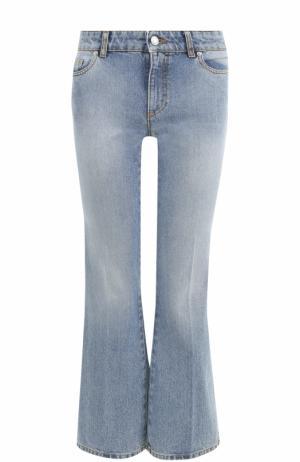 Укороченные расклешенные джинсы с потертостями Alexander McQueen. Цвет: голубой