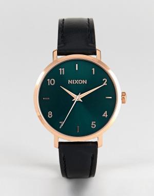 Nixon Часы с черным кожаным ремешком. Цвет: черный