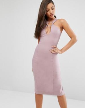 Lavish Alice Платье миди с глубоким вырезом и металлическим кольцом. Цвет: розовый