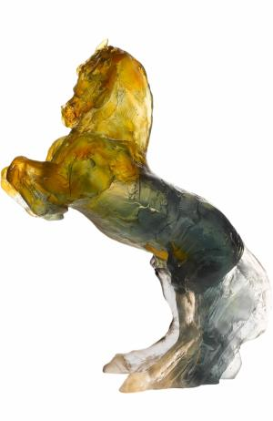 Скульптура Лошадь на дыбах Balthazar Daum. Цвет: серо-бежевый