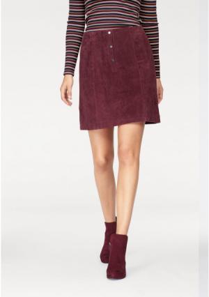 Кожаная юбка tamaris. Цвет: бордовый