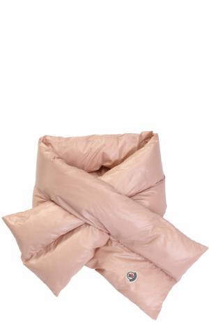 Пуховый стеганый шарф с логотипом бренда Moncler. Цвет: розовый