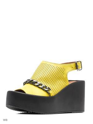 Босоножки Donna Ricco. Цвет: желтый
